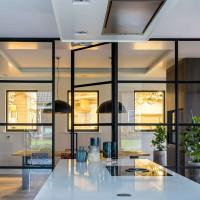 Лофт перегородки с различными типами открывания: гармошка для дома